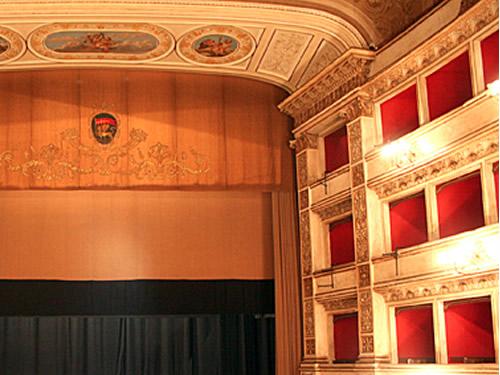 teatro unione viterbo foto